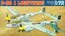 LOCKHEED P-38 J LIGHTNING - WW II FIGHTER (USAAF MKGS) 1/72 GOMIX