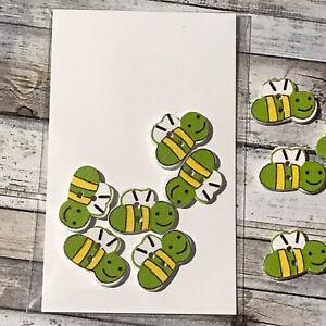6 x Wooden Bee Buttons - Green - Scrapbook Craft Sewing Card Making 1.5 x 2cm