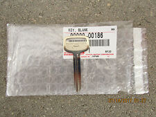03 - 05 TOYOTA MATRIX BASE XR XRS UNCUT STEEL KEY BLANK BRAND NEW