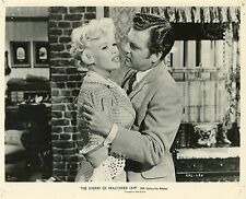 JAYNE MANSFIELD KENNETH MORE THE SHERIFF OF FRACTURED JAW 1958  PHOTO ORIGINAL
