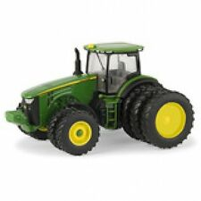 NEW John Deere 8400R Tractor w/Triples,1/64 Scale, Collector Card (LP64762)