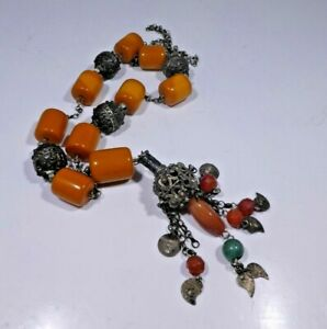 ANTIQUE CHINESE SILVER ALLOY AND AMBER NECKLACE