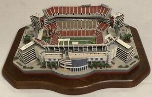 Tampa Bay Buccaneers Danbury Mint RAYMOND JAMES STADIUM Mini Stadium Replica