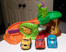 Fisher Price Lil' Zoomers Safari Sounds Rampway Playset with 3 cars
