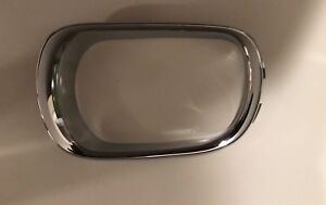 02-10 LEXUS SC430 FRONT DRIVER LEFT SIDE FOGLIGHT FOG LIGHT TRIM BEZEL CHROME