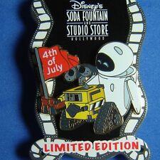WALL-E & EVE 4th of July Disney Pin DSF  LE 300 OC Pixar VHTF
