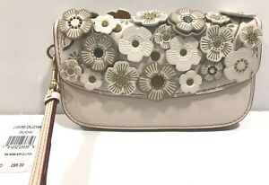 COACH LEATHER TEA ROSE APPLIQUE CLUTCH WRISTLET BAG CHALK 23536 RETAIL $295 NWT