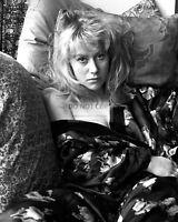 ACTRESS HELEN MIRREN - 8X10 PUBLICITY PHOTO (DA825)