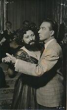 """André Claveau 1953 -Acteur Tournage """"Rires de Paris"""" Danse Femme à Barbe- PR 886"""