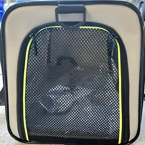 Akinerri Portable Pet Dog Booster Car Seat Travel Carrier with Clip-On leash