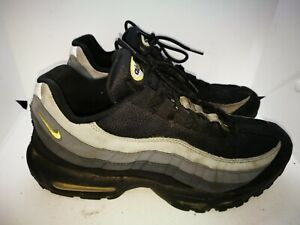 Nike Air Max casual trainers size 9