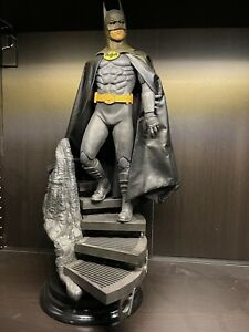 Sideshow BATMAN Keaton DC Premium Format Figure Limited Edition 555/2500