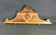 Ancien petit fronton d'armoire en bois avec motifs sculptés vintage déco meuble
