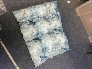 ECOLIFE Recycled Cushion Dog Bed, Made From 100% Re-Cycled Plastic Bottles