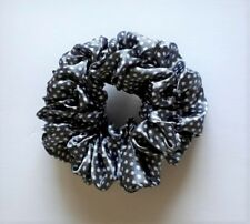 Chouchou tissu satiné gris à pois blanc CH01C