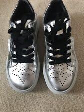 NIB Kendall+Kylie Tyler Sneakers US Size 8