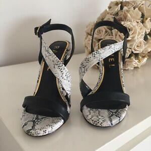 Ravel ladies sandals size 3