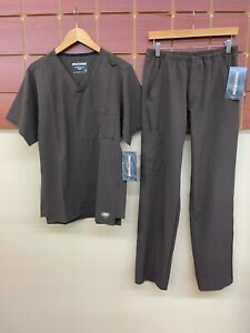NEW Men's Skechers Brown Scrubs Set With Small Top Small Pants NWT