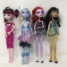 Monster High 4 Dolls Draculaura Cleo De Nile Operetta Abbey Clothes Shoes