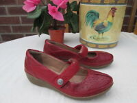 LADIES CLARKS COLLECTION CUSHION SOFT MARY JANE SHOES SIZE 4 D FIT