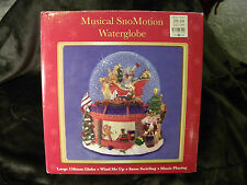 Musical SnoMotion Waterglobe Wind Up Playing I Wish You a Merry Christmas