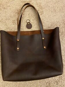 Go Forth Goods Leather Large Avery Tote - Mocha With Snap Closures