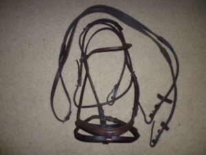 Stubben 4000 Carlow Snaffle Bridle + Rolled Rubber Reins ebony brown full size