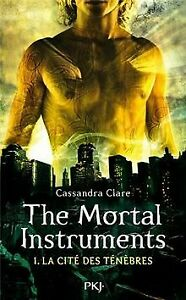 The Mortal Instruments, Tome 1 : La cité des ténèbres de C...   Livre   état bon