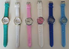 Fashion Mixed Colourful Styles Woman Ladies Gold Silver Watch with Quality Band