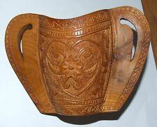 Bol de berger sculpté dans le gout art populaire du Queyras Alpes
