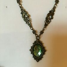 VICTORIAN STYL GREEN FACETED GLASS crystal DK GOLD PLATED PENDANT NECKLACE FRAME