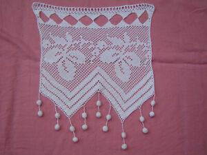 rideau ancien  fait main  au crochet largueur 36 cm hauteur 44 cm
