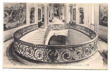 chateau de chantilly    l'escalier d'honneur et le vestibule