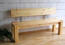 Klassische Sitzbänke & Hocker aus Massivholz