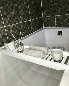 Bathtub Bamboo Bath Tub Storage Rack Tray Bathroom Cloth Book/Pad/Tablet Holder