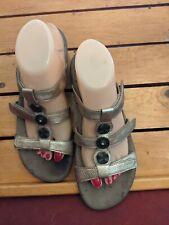 Taos Prize Sandals 3 Strap Metallic Gold Adjustable Medallion Slides Womens US 9