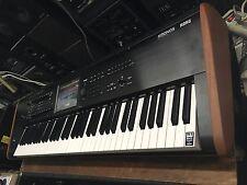 Korg KRONOS 2 /73 -Key keyboard Music Workstation ,KRONOS 7 ,in box  //ARMENS//.