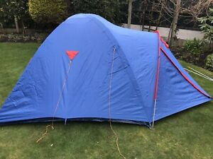 outdoor igloo Dome Tent Suitable For 3 Blue/red Good Condition Easy To Erect