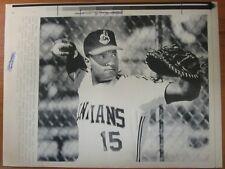Vintage AP Press Photo 1990 Cleveland Indians Rookie Catcher Sandy Alomar, Jr.