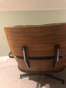 Authentic  Herman Miller Eames Lounge Chair & Ottoman - Rosewood 1975