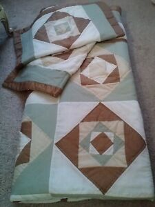 VINTAGE HAND QUILTED  GEOMETRIC PATCHWORK QUILT&2 SHAMS-84X84-NICE