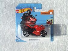 HOT WHEELS DUCATI 1199 PANIGALE RED HW MOTO  MINT ON CARD