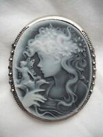 VINTAGE ANTIQUE JEWELLERY YOUNG GIRL ~ FAIRY CAMEO ~ SILVER PLATED BROOCH