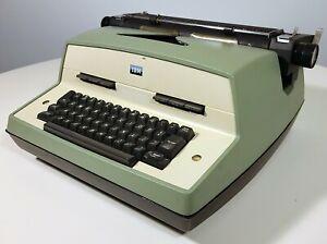 IBM MODEL D 12 VINTAGE ELECTRIC TYPEWRITER
