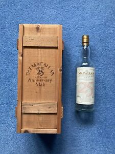 The Macallan scotch whiskey rare vintage 25 years Empty Bottle with Wooden Box