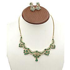 18ct Oro Amarillo Colombia Esmeralda Verde y Diamante Collar y pendientes