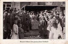 GERMANY DEUTSCHE SOLDATEN BEIM POMMES FRUITS VERKAUFER FELDPOST JULY 1915