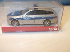 Herpa 046756 BMW 5 er TM Touring  Polizei  Blau - Silber mit OVP 1:87