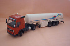 Conrad - Metal Model - VOLVO ARTICULATED LORRY WITH TANK TRAILER 1:50 (5.bm-3)