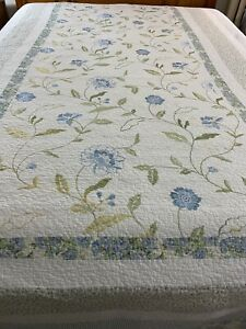 "BEAUTIFUL Vintage Embroidered Flowers Patchwork Quilt 80x107"" Full #639"